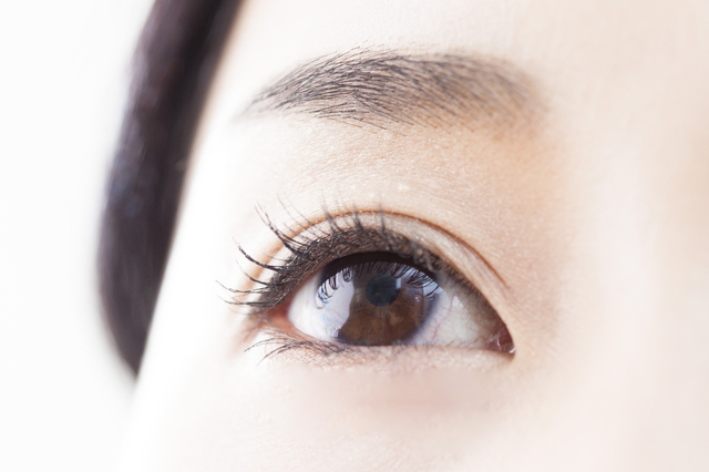 充血した瞳