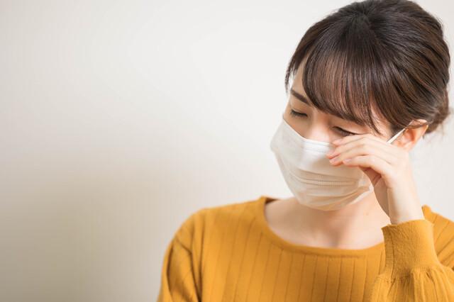 ドライアイの人にもおすすめ!マスク着用時に感じる目の乾燥の対策法を紹介│はじめてのコンタクトレンズ.com
