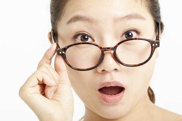 メガネとコンタクトで変わるものの見え方|はじめてのコンタクトレンズ.com